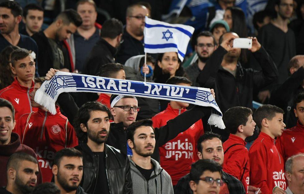 אוהדי נבחרת ישראל (צילום: יאיר שגיא)