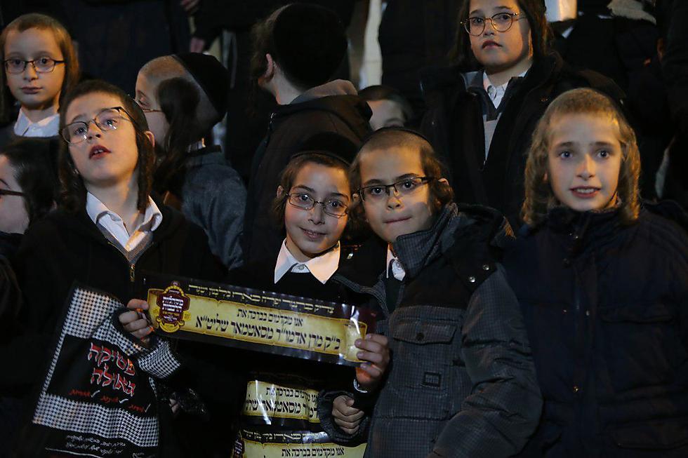 רבבות בעצרת סאטמר האנטי-ציונית (צילום: עמית שאבי)
