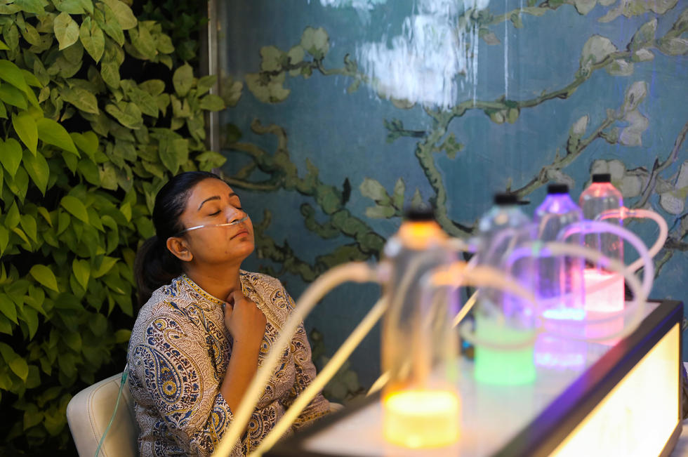 זיהום אוויר ניו דלהי הודו פאב ה חמצן ה טהור (צילום: רויטרס)
