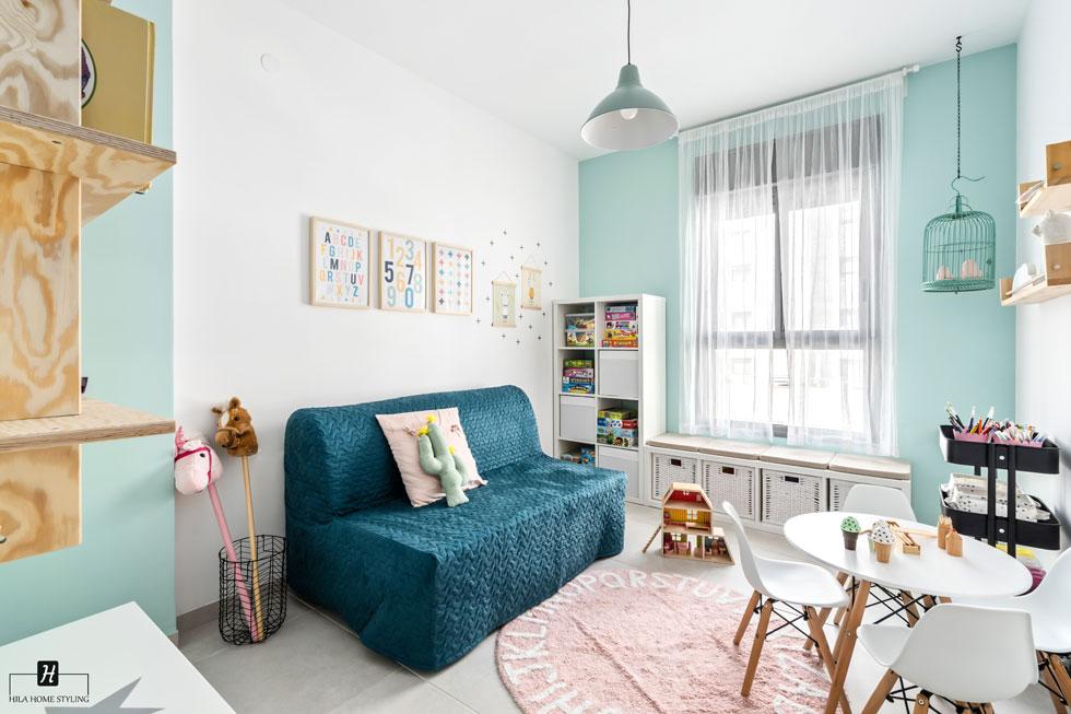 לקנות הכל אונליין, מלבד הספה. עיצוב: הילה אלטר (צילום: מאור מויאל)