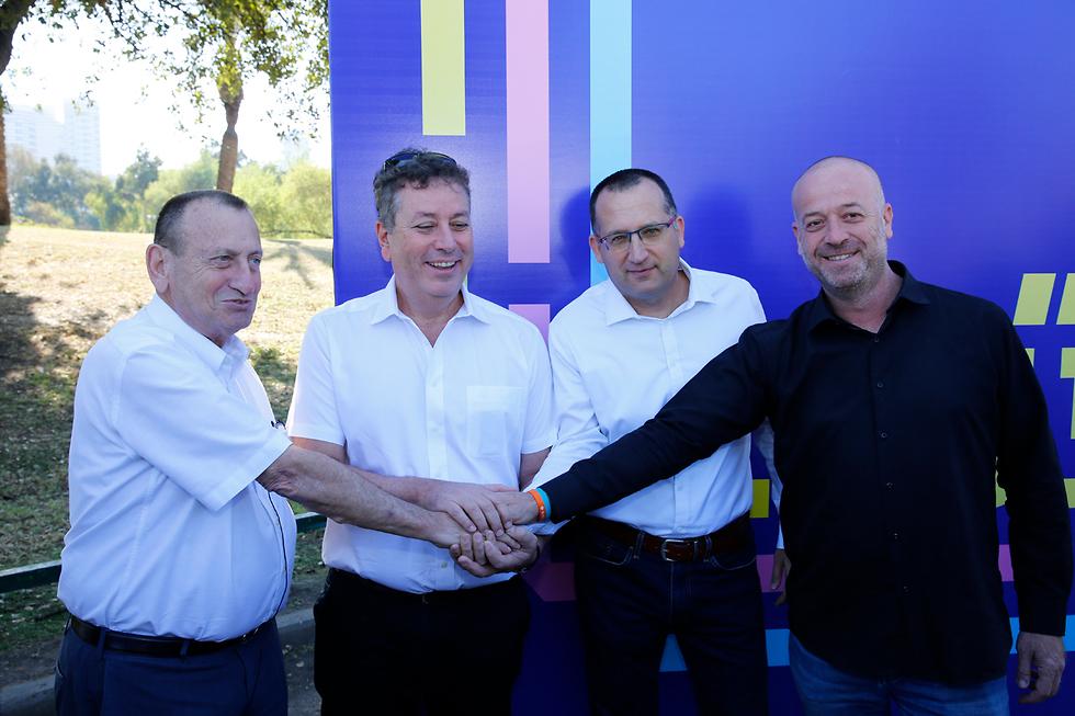 מיטל להבי, רון חולדאי, ישראל גל, רן קוניק ואבי גרובר (צילום: גיא יחיאלי)