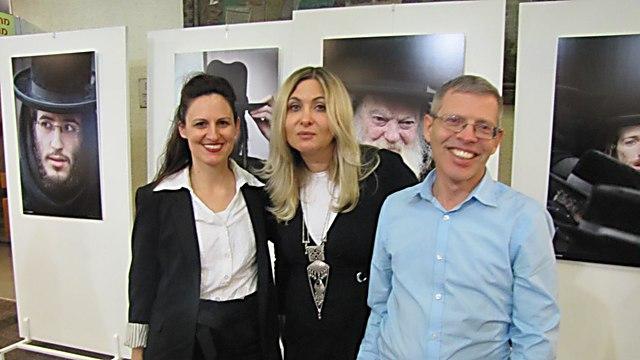 אגניישקה טרצ'סבקה בתערוכה בפולין (צילום:הילה אפרתי)