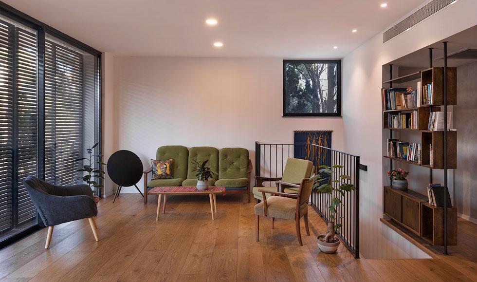 כל הדירות בבניין נמסרו לדיירים כשהן מעוצבות לחלוטין, ורובן גם מרוהטות (צילום: ליאור גרונדמן)