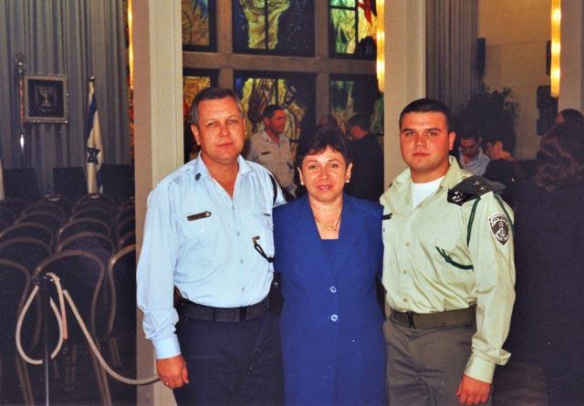 Гордые родители с сыном. Фото: семейный архив
