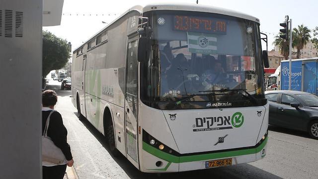 אוטובוסים בראשון לציון (צילום: אבי מועלם)