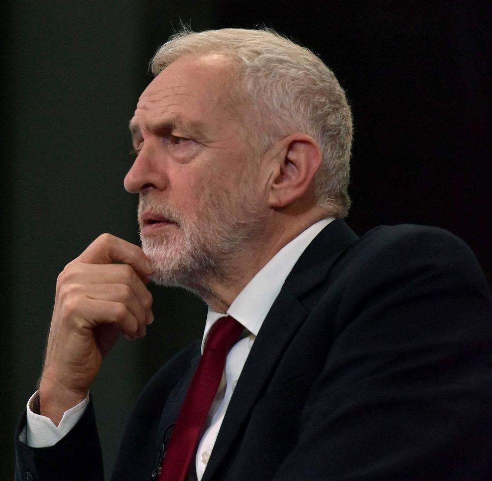 ג'רמי קורבין מנהיג מפלגת ה לייבור בריטניה  (צילום: Jeff Overs/BBC ,AP)