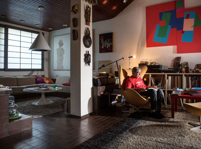 ריזינגר בביתו, לפני שלוש שנים (צילום: תומי הרפז)