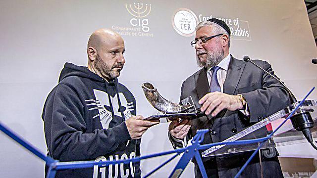 עבדאללה שתילה הגיע בהפתעה לכנס - ונאם (צילום: אלי איטקין)