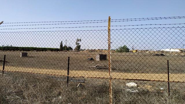 גבול שדה ניצן מבטחים (צילום: ריקי כרמי)