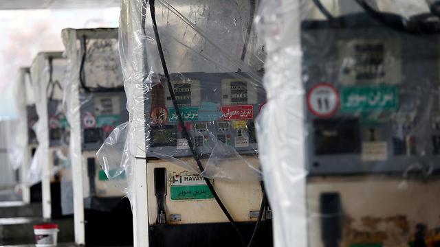 איראן מהומות טהרן משאבות דלק ש הותקפו (צילום: רויטרס)
