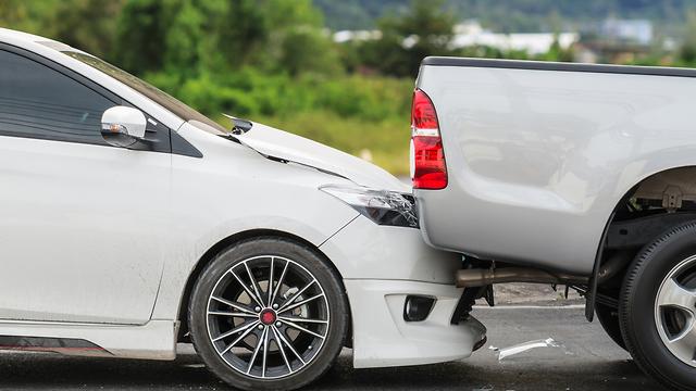 תאונת דרכים קלה (צילום: shutterstock)