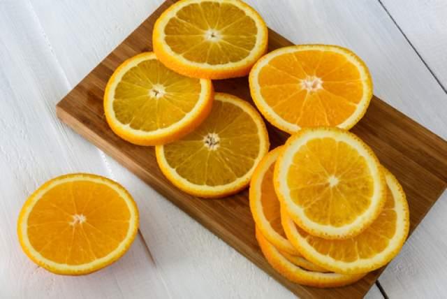 Всего 3 небольших апельсина. Фото: shutterstock (Фото: shutterstock)