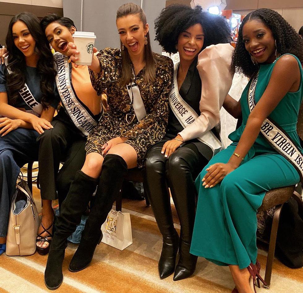 עושות פאן בין המדידות. מלכת היופי סלע שרלין (במרכז) עם מיס וירג'ין איילנד, האיטי, סינגפור וצ'ילה  (צילום: אלבום פרטי )