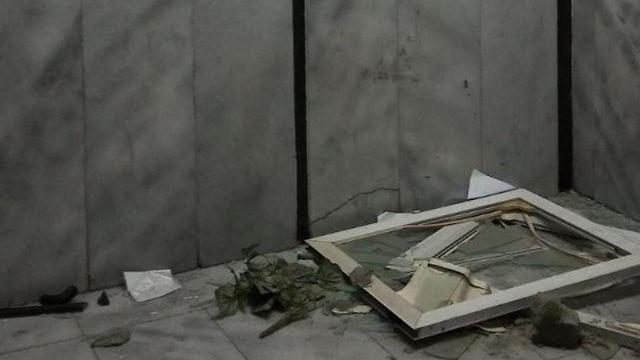 ונדליזם בישיבה בבני ברק בעקבות סכסוך בני שני פלגים (צילום: דוד קשת)