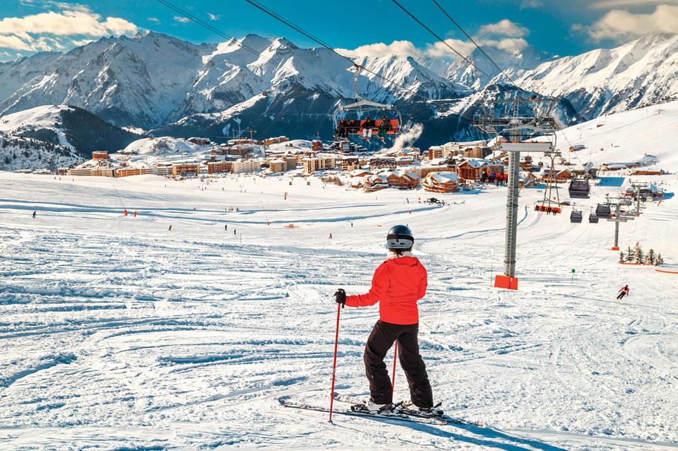 חוויה בלבן. מסלולי הסקי באלפ ד'ואז, מהטובים בעולם  (צילום: Shutterstock)