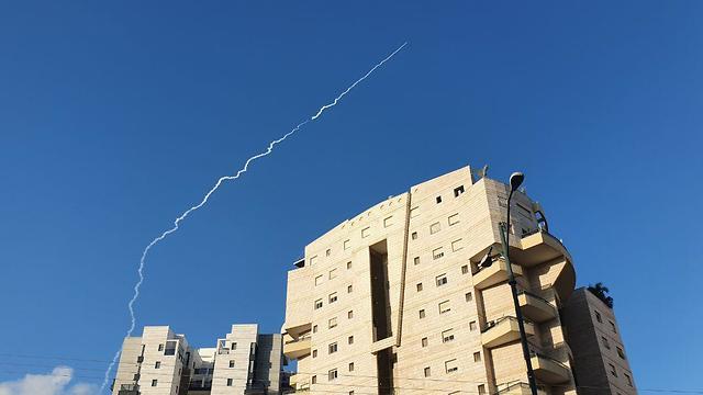 שיגור מפלמחים הבוקר (צילום: ירון ברנר )