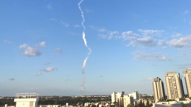 שיגור מפלמחים הבוקר (צילום: בועז קריספין)