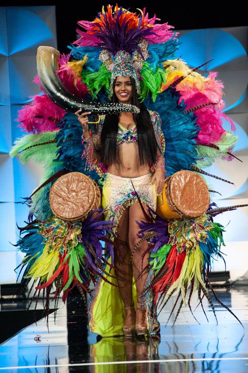 נציגת קבוצת האיים קוראסאו  (צילום: Patrick Prather, Miss Universe)