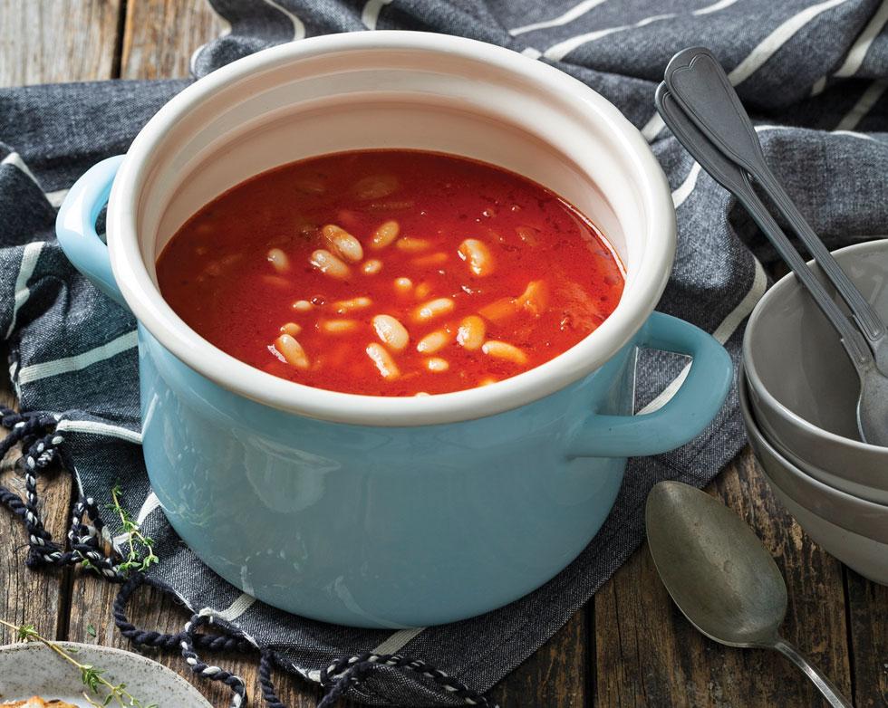 מרק עגבניות ושעועית לבנה  (צילום: בועז לביא, סגנון: ענת לבל)