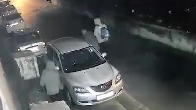 שכונת שועפט בירושלים: כ - 40 רכבים שצמיגיהם נוקבו וריסוס  כתובות על קירות סמוכים ()