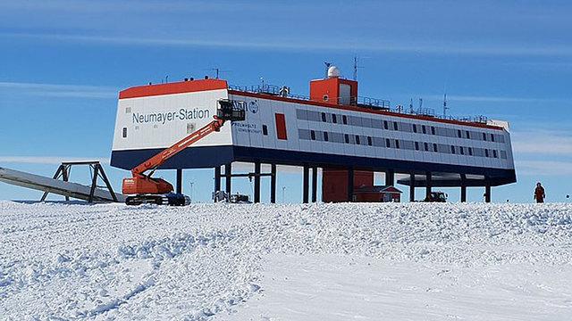 תחנת נוימאייר 3 אנטארקטיקה הקוטב הדרומי ()