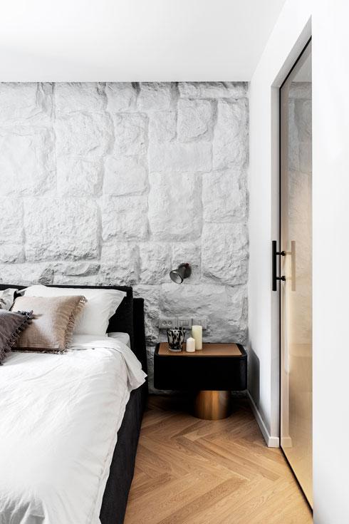 עומק קיר האבן הוא 30 סנטימטרים, והוא מכיל קונסטרוקציה (צילום: איתי בנית)