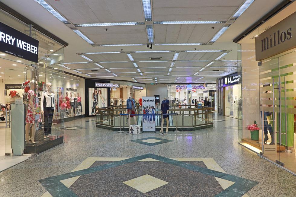 תמונת מצב: החנויות ריקות מקונים (צילום: דנה קופל)