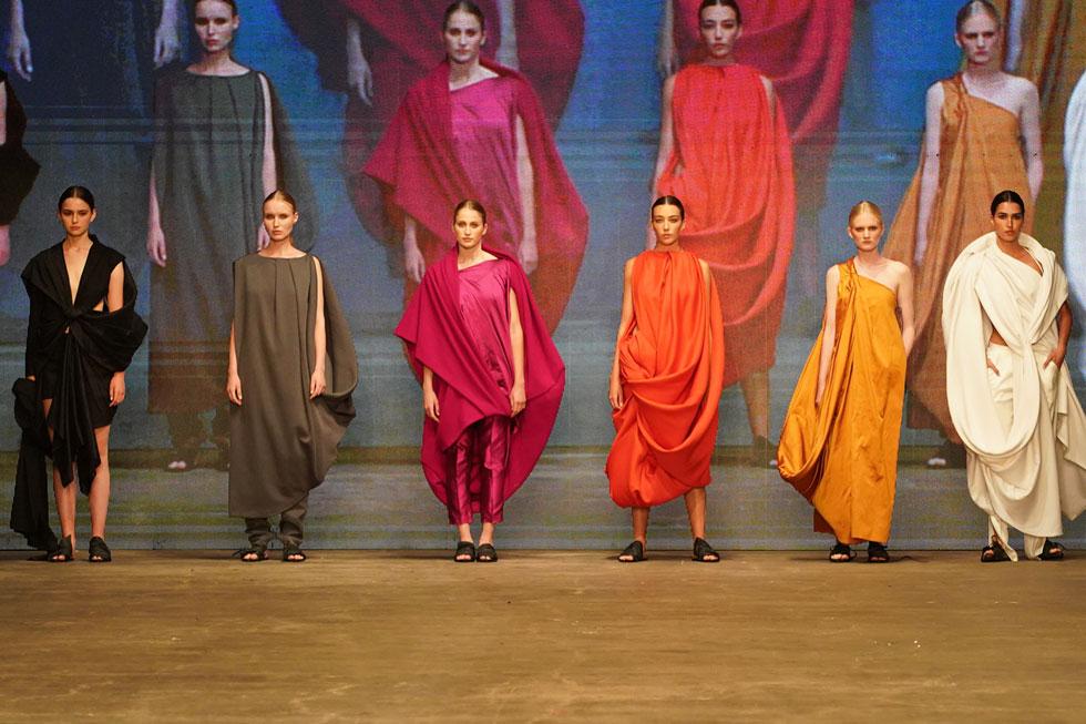 ענף האופנה הישראלי עמוס כישרונות, אך זה לא מבטיח הצלחה עסקית. תצוגת גמר של שנקר (צילום: רפי דלויה)