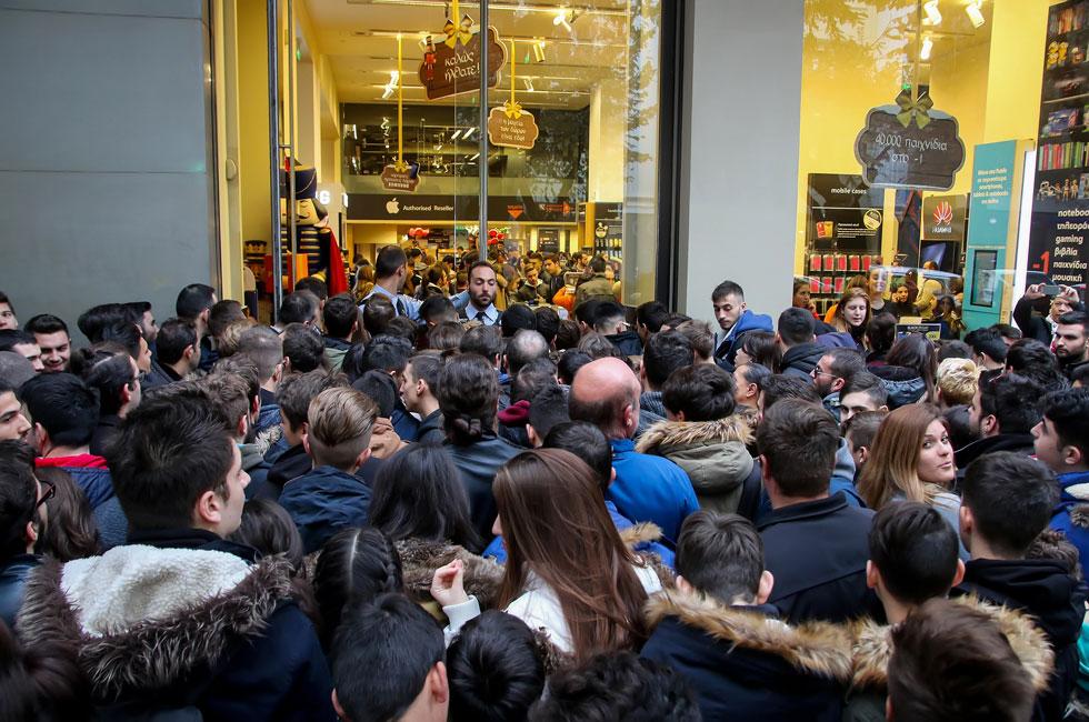הזמן שבו לקוחות מסתערים על החנויות: ימי המבצעים וההנחות עם מחירי רצפה (צילום: Ververidis Vasilis/Shutterstock)