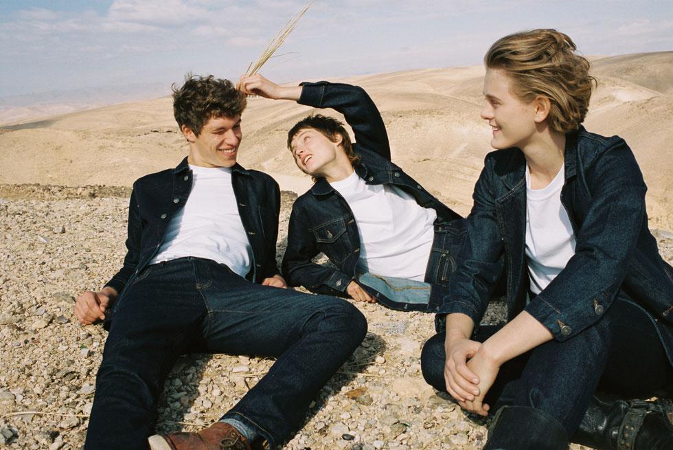 עם משפיעניות רשת צעירות והדוגמנית ליתאי מרכוס שמככבת בצילומי קולקציית הג'ינס החדשה, אתא מבקש לכבוש לעצמו מקום מחודש בסיפורי המיתוס של האופנה הישראלית (צילום: דודי חסון)