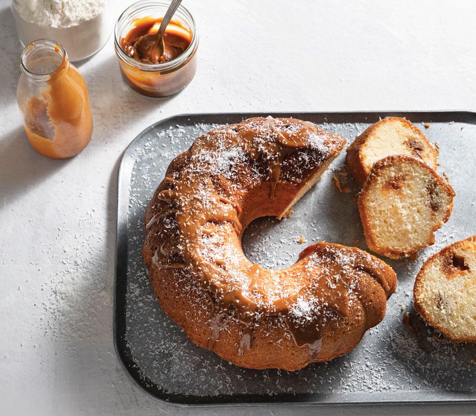 עוגת קוקוס עם ריבת חלב בדיוק לפי הטעם שלכם (צילום: דניאל לילה סגנון: נעמה רן)