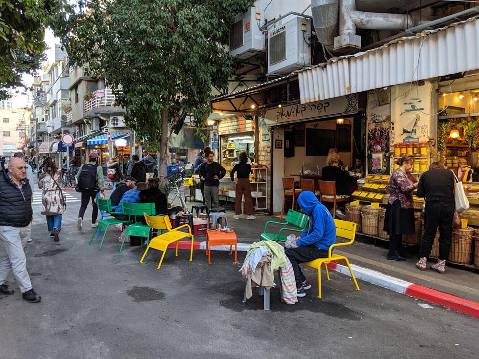 אתמול בשוק לוינסקי, בקטע שבין רחוב השוק לרחוב העלייה. ''היה לי מספיק טוב קודם'', התלוננו במעדנייה הוותיקה ''חיים רפאל''