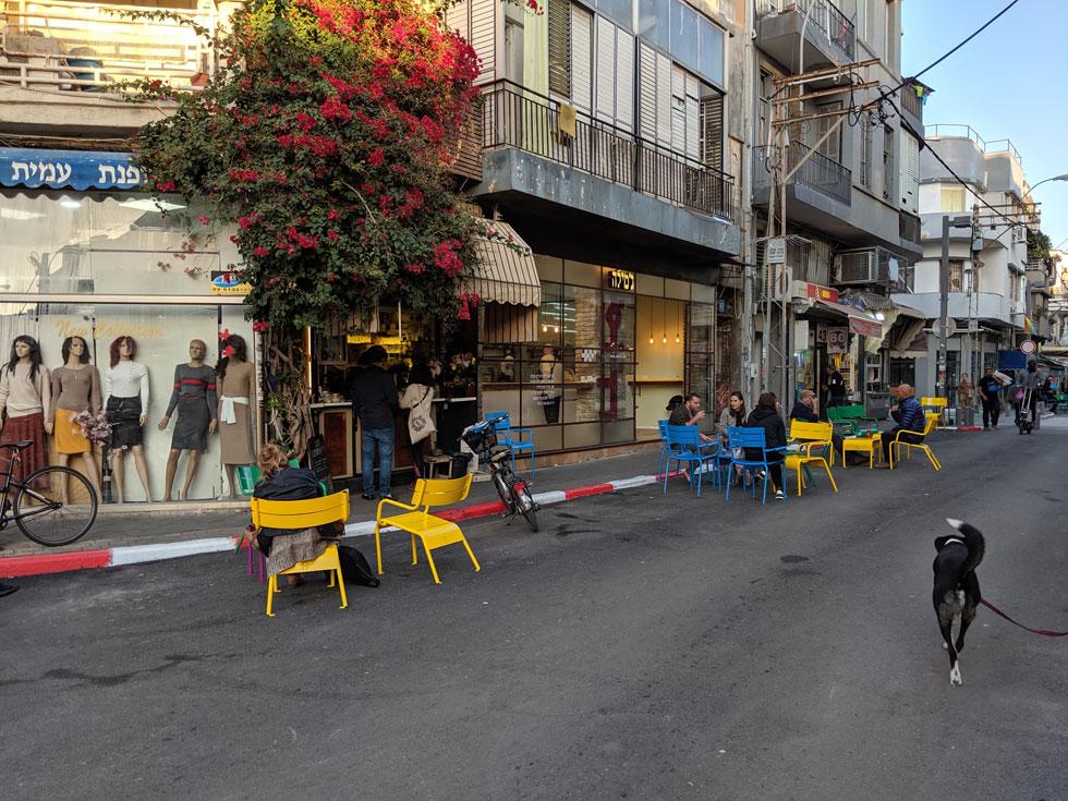 רחוב לוינסקי הפך למדרחוב מוקדם יותר השנה. לחצו על התמונה לראות איך זה עובד