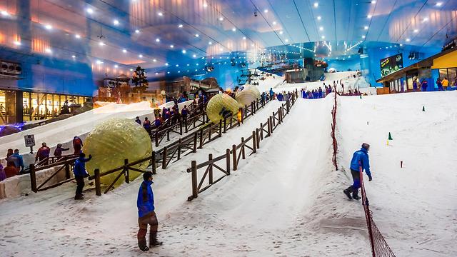 אתר הסקי בדובאי (צילום: Shutterstock)