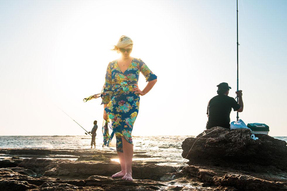 """לבזבז כזה גוף מושלם בלי להתהלך בבגד ים על שפת הבריכה? """"אל תדאגי"""", צחקה סבטלנה (צילום: עדי אדר)"""