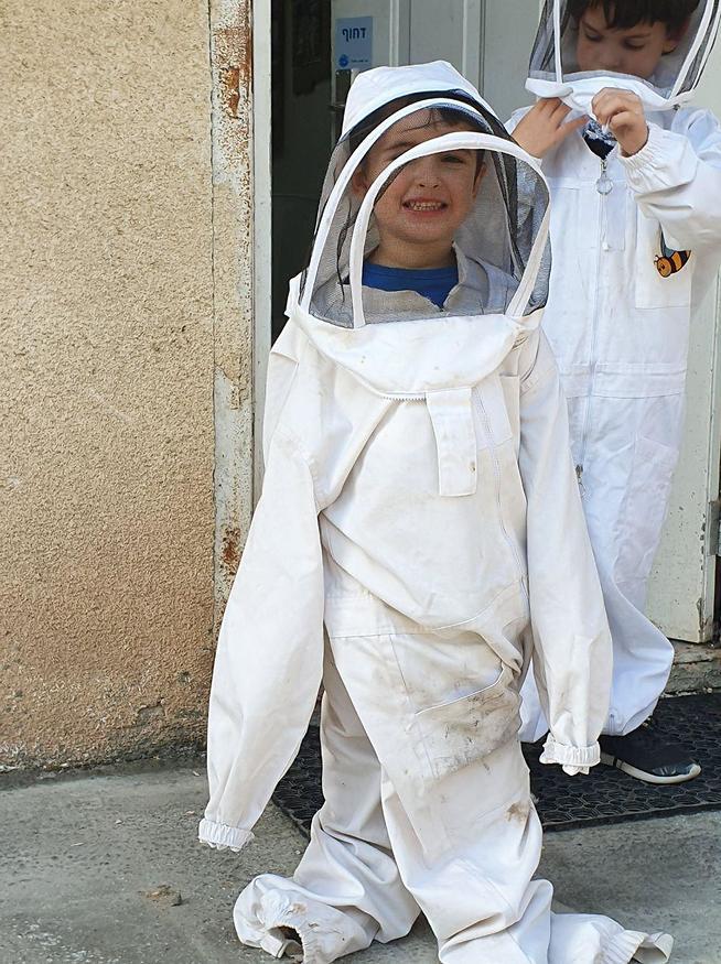 אסטרונאוטים במכוורת אלין (צילום: סער הס)