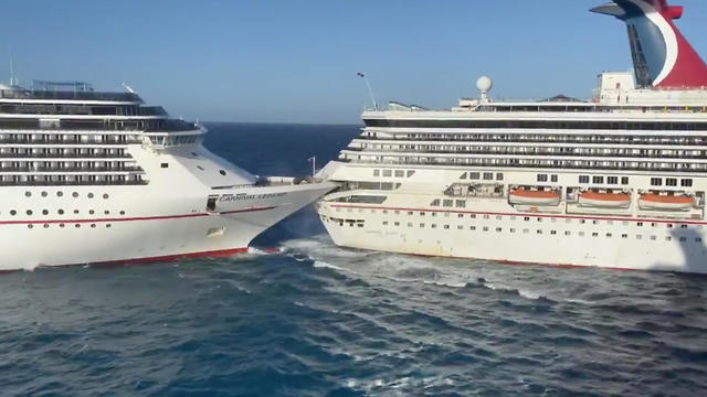 תיעוד: התנגשות בין שתי ספינות תענוגות במקסיקו (צילום: רויטרס, Matthew Bruin)