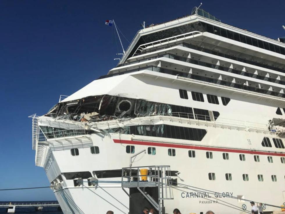 תיעוד: התנגשות בין שתי ספינות תענוגות במקסיקו (צילום: רויטרס, Jordan Moseley)