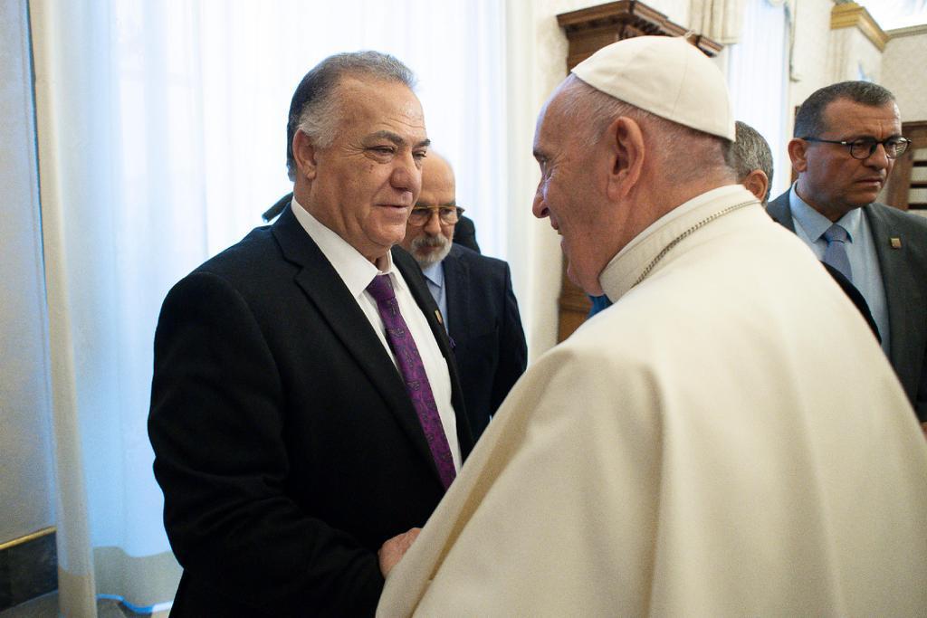 האפיפיור בפגישה עם ראש עיריית נצרת עלי סאלם בוותיקן