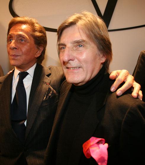 """""""עמנואל אונגרו היה חבר נהדר ונדיב, עם חסד נדיר מאוד בעולם האופנה הזה"""", ספד חברו, מעצב האופנה האיטלקי ולנטינו גרוואני (צילום: AP)"""