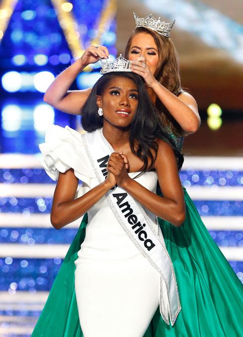 שלב בגדי הים בתחרות בוטל בשנה שעברה. מיס אמריקה ניה פרנקלין  (צילום: AP)