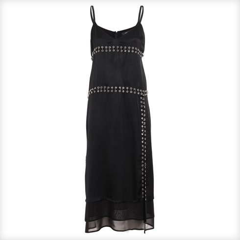 שמלה עם עיטורים מתכתיים
