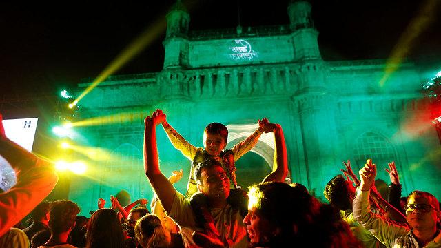 חגיגות השנה החדשה 2020 מומבאי הודו (צילום: AP)