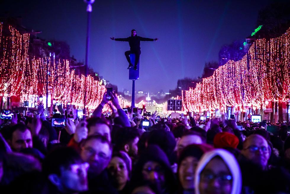 חגיגות השנה החדשה שנה אזרחית חדשה 2020 פריז  זיקוקים (צילום: EPA)