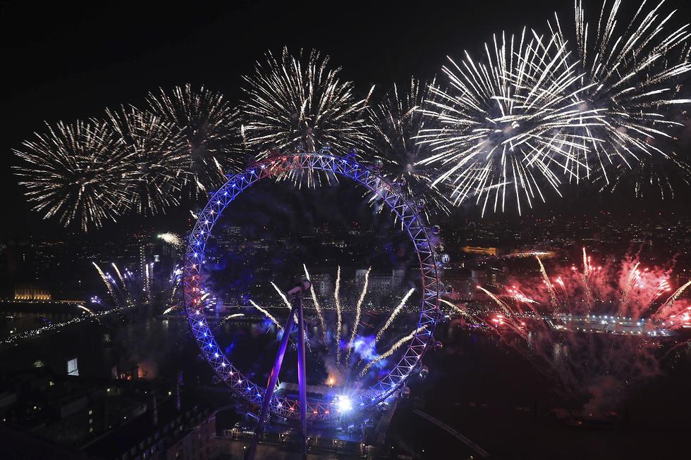 חגיגות השנה החדשה שנה אזרחית חדשה 2020 לונדון  זיקוקים (צילום: AP)