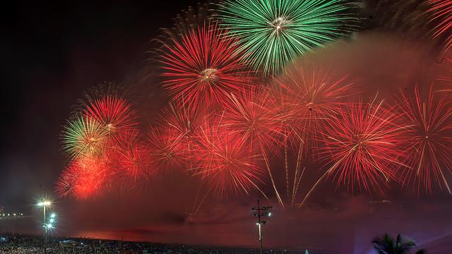 חגיגות השנה החדשה שנה אזרחית חדשה 2020  ריו דה ז'נרו ברזיל זיקוקים (צילום: AP)
