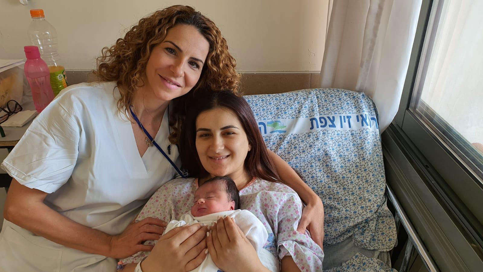 היולדת הראשונה במרכז הרפואי זיו שבצפת: רנין אסעד