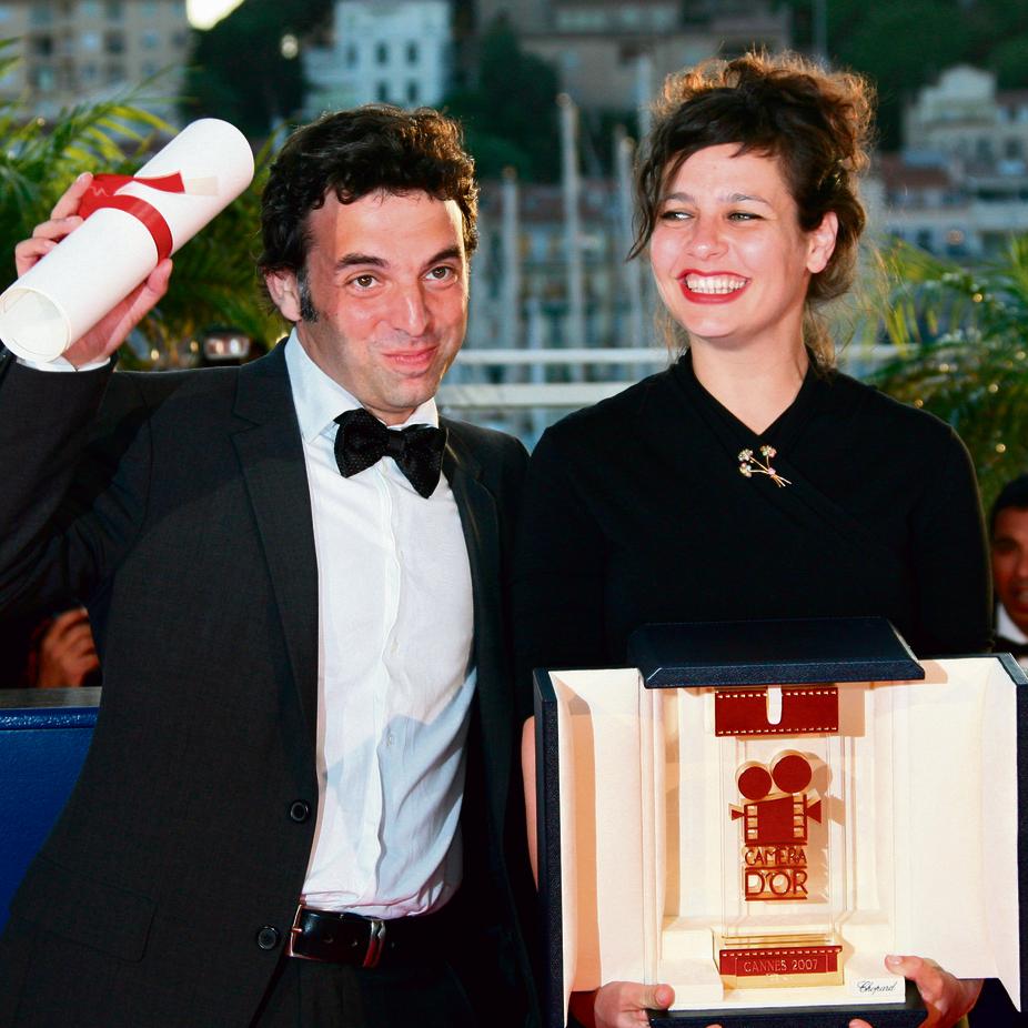 """קרת וגפן בפסטיבל קאן ב־2007 עם פרס מצלמת הזהב. """"אני בן אדם שמאמין בדברים שהוא לא בהכרח מסוגל לעשות""""   צילום: AFP"""