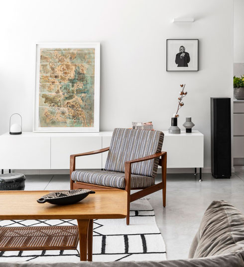 בסלון אין טלוויזיה. העבודות של אמנים ישראלים וסב המשפחה (צילום: איתי בנית)
