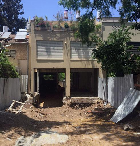 הבניין בעת עבודות השיפוץ וההרחבה (צילום: באדיבות האדר' נטלי טל)
